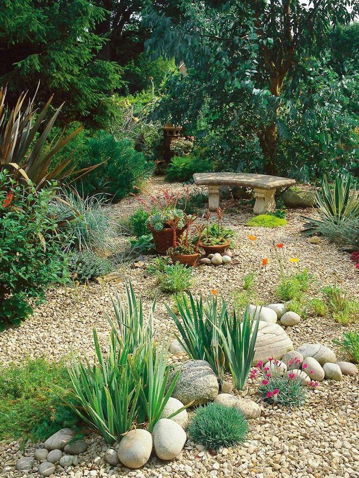 1001 mod les de parterre de fleurs avec galets pinterest gardens. Black Bedroom Furniture Sets. Home Design Ideas