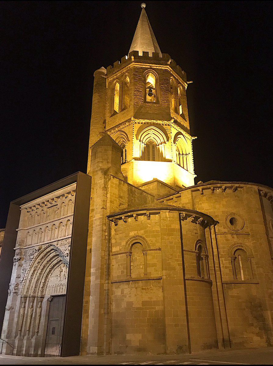 Una Joya Entre Las Joyas Del Arte Románico La Iglesia De Santa María De Sangüesa Sorprendente Por Fuera Y Por Dentro Una Visita Obligada