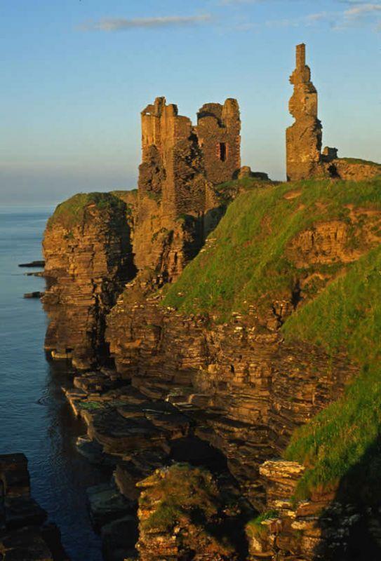 C0210. What remains of Castle Sinclair & Girnigoe. Castle Girnigoe built by the Clan Sinclair. Scotland,