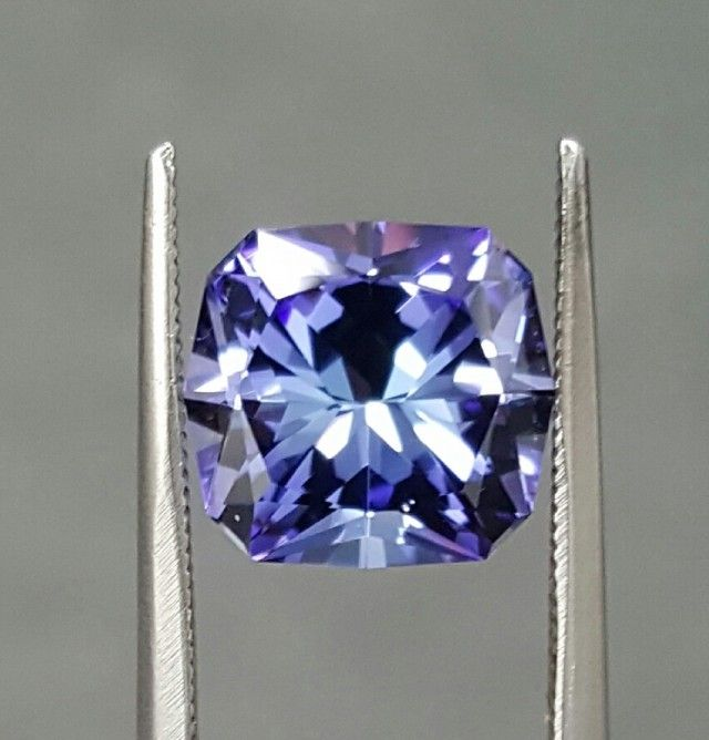 3.47 CT TANZANITE - MASTER CUT!  FLAWLESS!  tanzanite gemstone