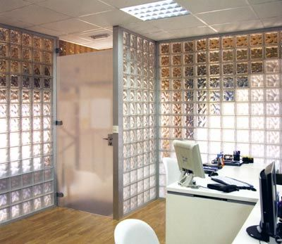 Pin de ricardo ambrosio en dise os con bloques de vidrio pinterest pared ladrillo ladrillo - Bloques de vidrio para bano ...