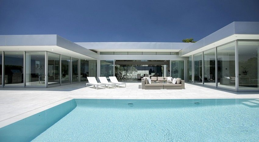 Carla Ridge, A Luxury Contemporary Home In Beverly Hills, California,  Designed By McClean