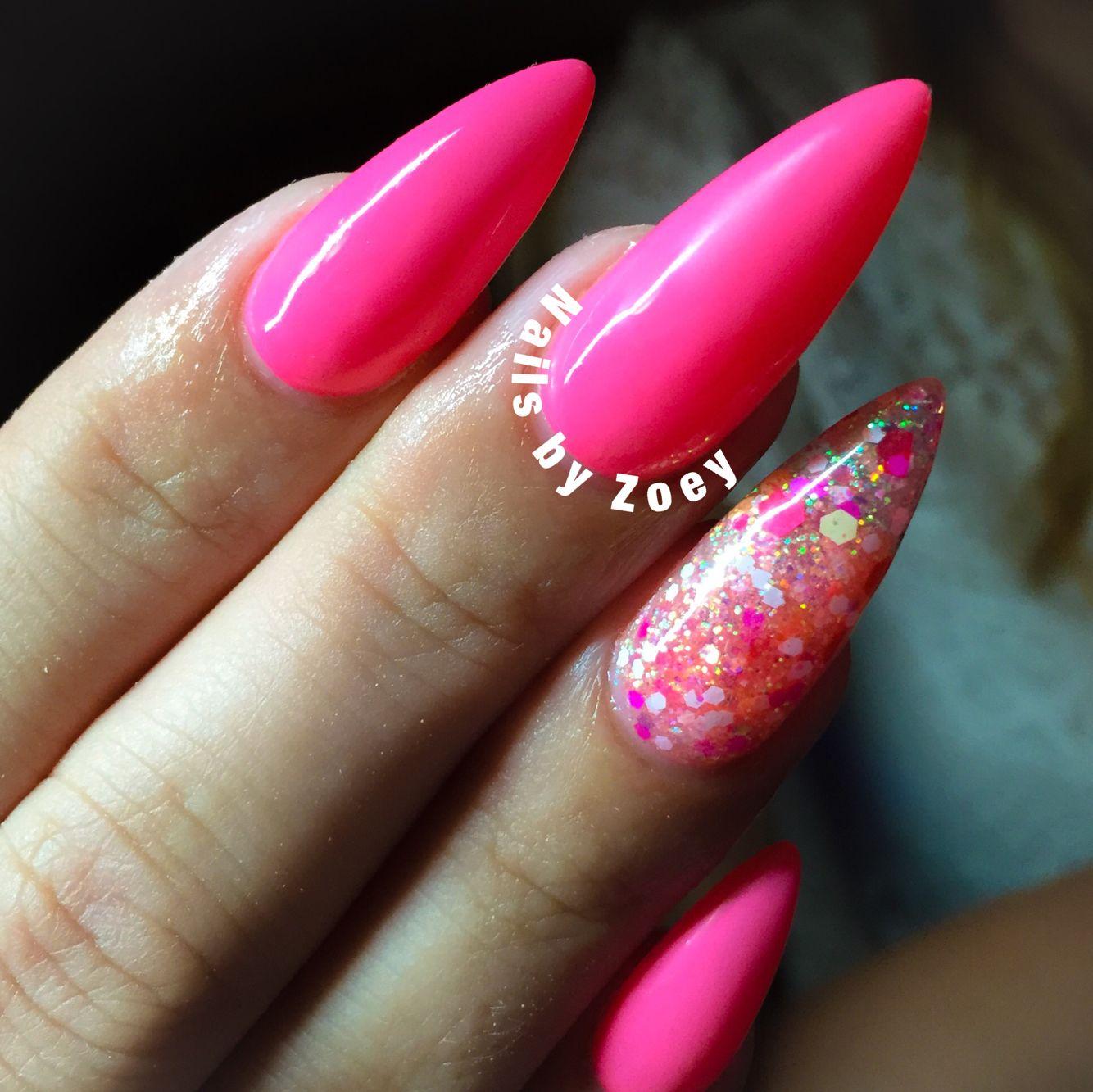 Neon pink Summer nails Glitter Nagel art Stiletto\'s | Nail Art ...