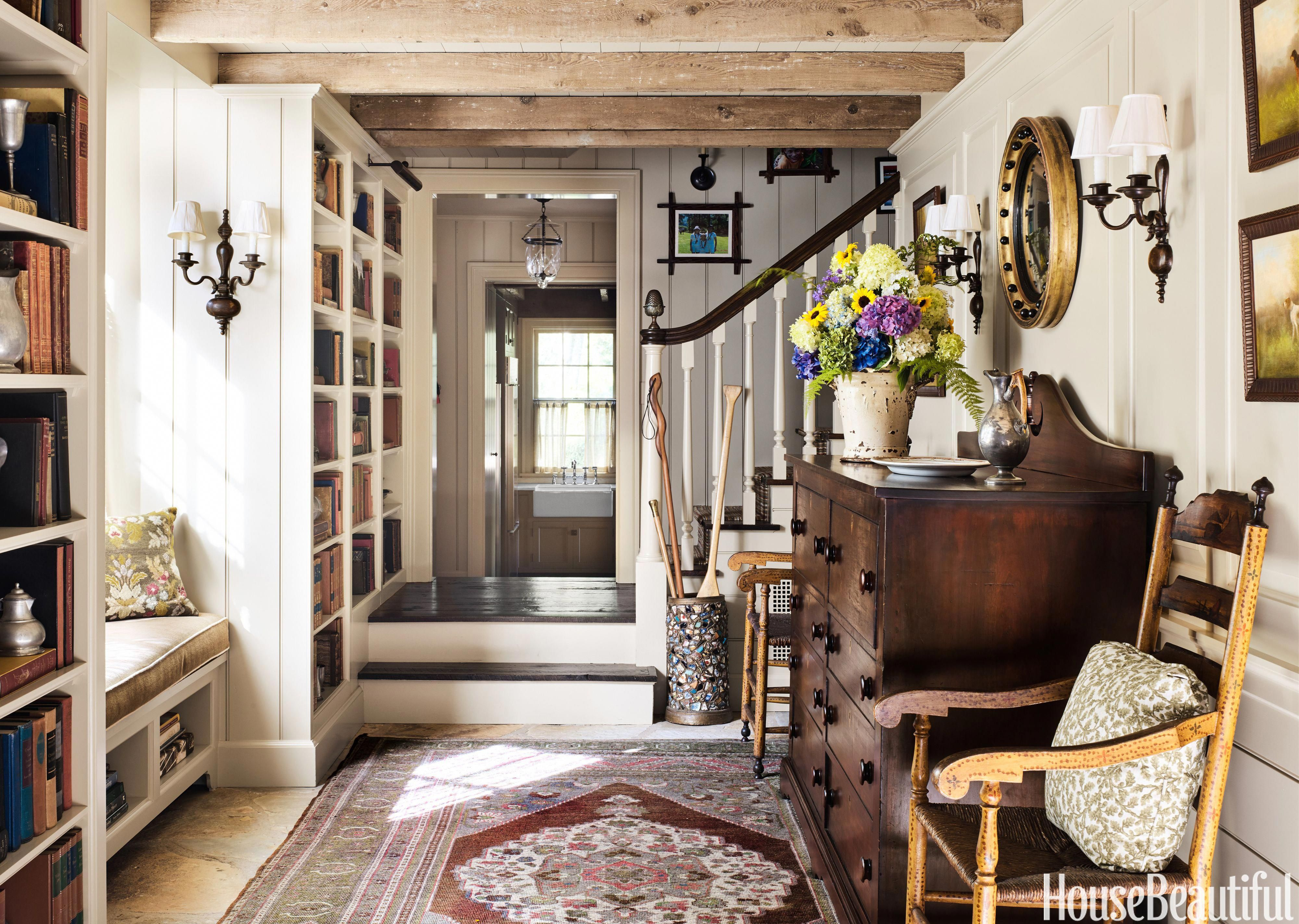Cashiers mountain home entryway - Jane Hawkins Hoke #cottageinteriors