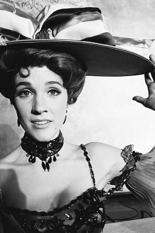✿ڿڰۣ(̆̃̃❤Aussiegirl   #Mad #Hatter   Julie Andrews