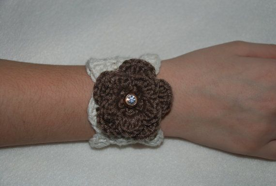 Crochet bracelet with vintage buttons by Nogginsandnapes on Etsy, $15.00