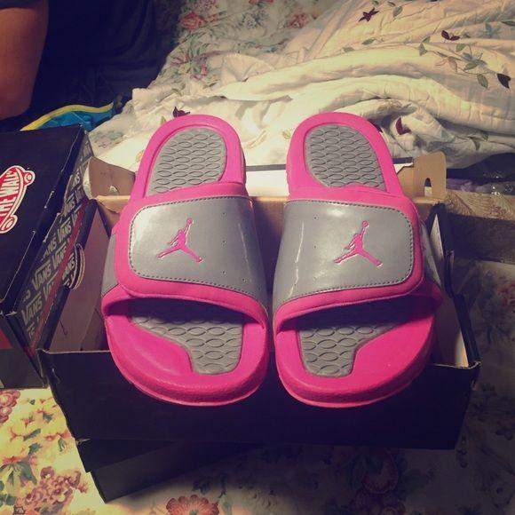 7ce4c3b2a16c Pink jordan slippers Size. 7Y 8 womans tv higher Jordan Shoes Flats    Loafers
