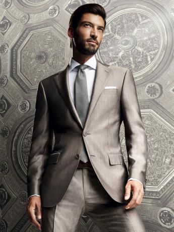 Wool/silk #suit. Lined 2-button #jacket with 2 flap pockets. #Trousers without pleats, 21.5 cm base. #ss14 #men #men'ssuits