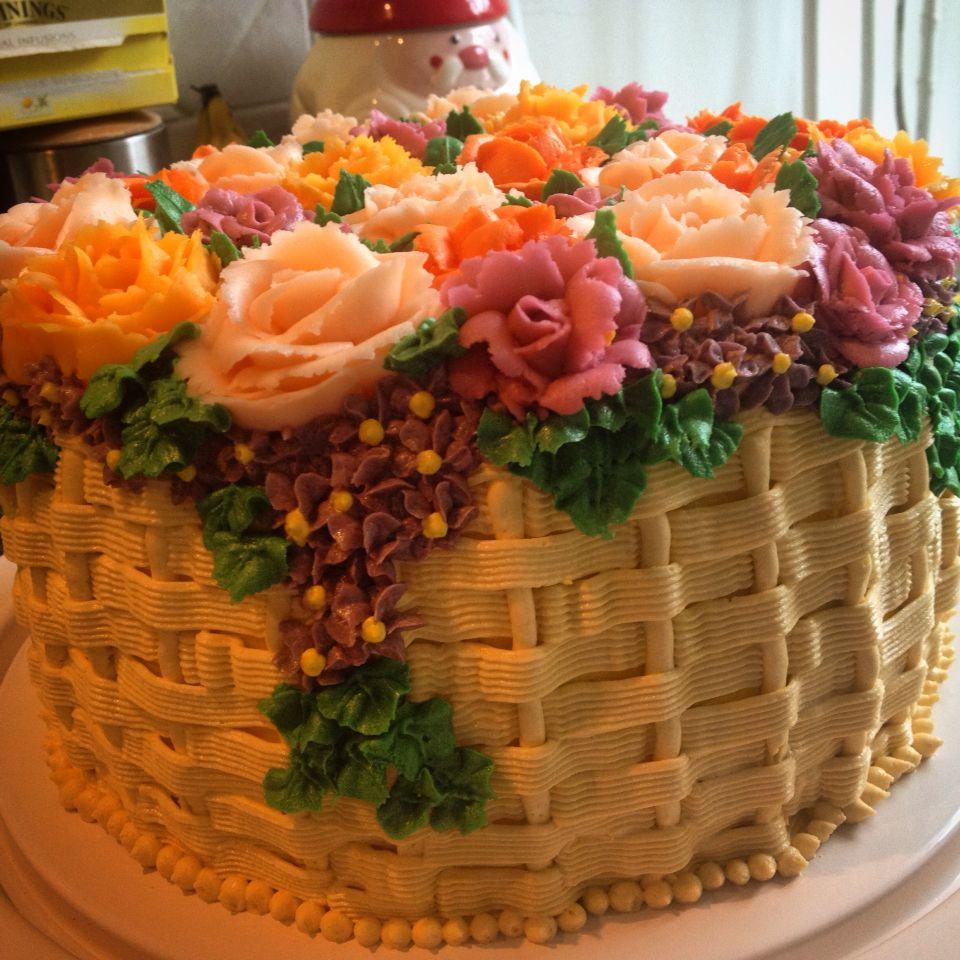 Cake Basket Flowers Butter Cream Roses Basket Of Flowers A Cake I