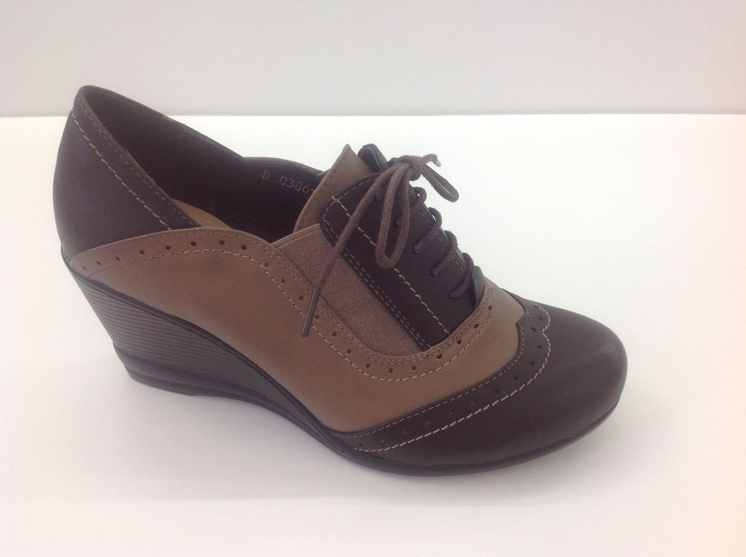 #Botin #Oxford #cuña #chic #Tacón #cool #chicas #marron #camel #cordones #perfect #look http://calzadostacon.es/coleccion?zapato_cuna/do386-2_ma
