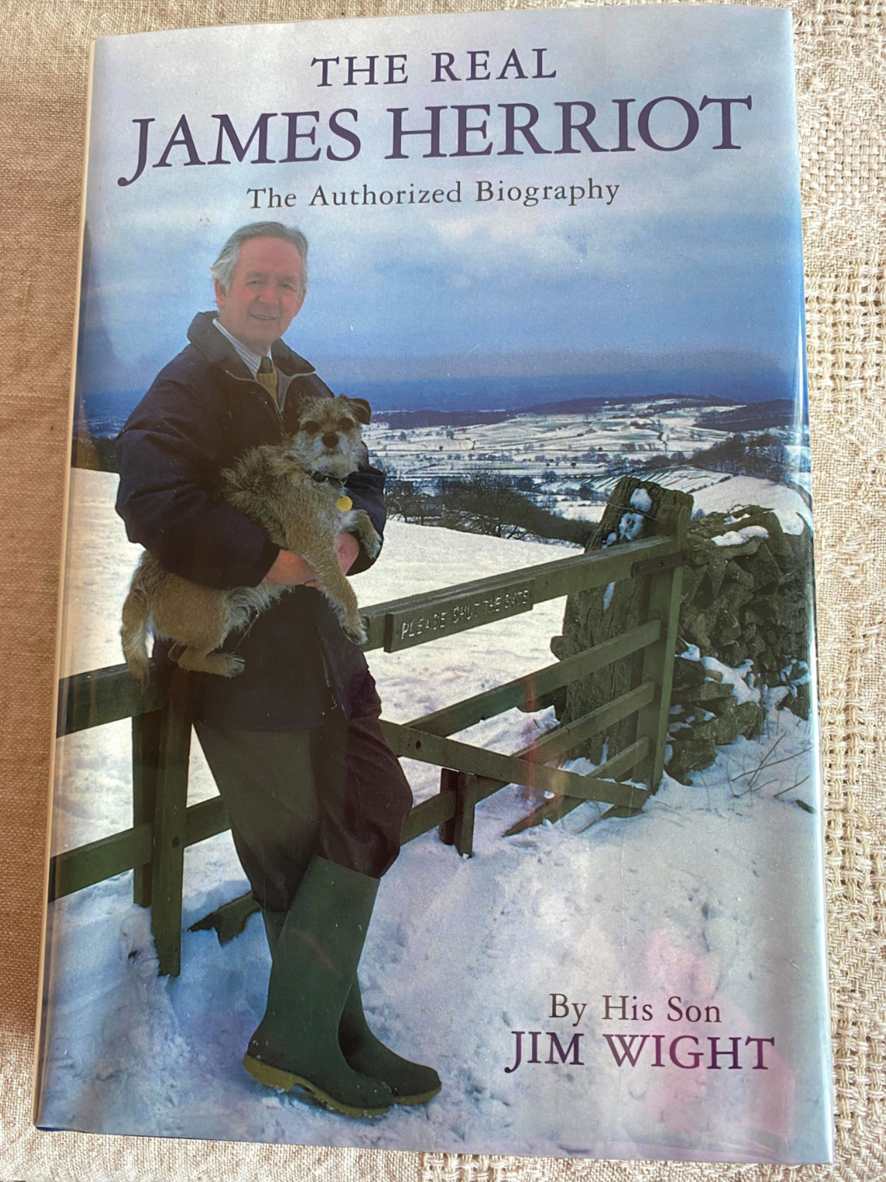 The Real James Herriot By Jim Wight Alf Wight Yorkshire Vet England Veterinarians Memoirs Biographies All Creatures Great And Small Unique Book Memoirs James Herriot
