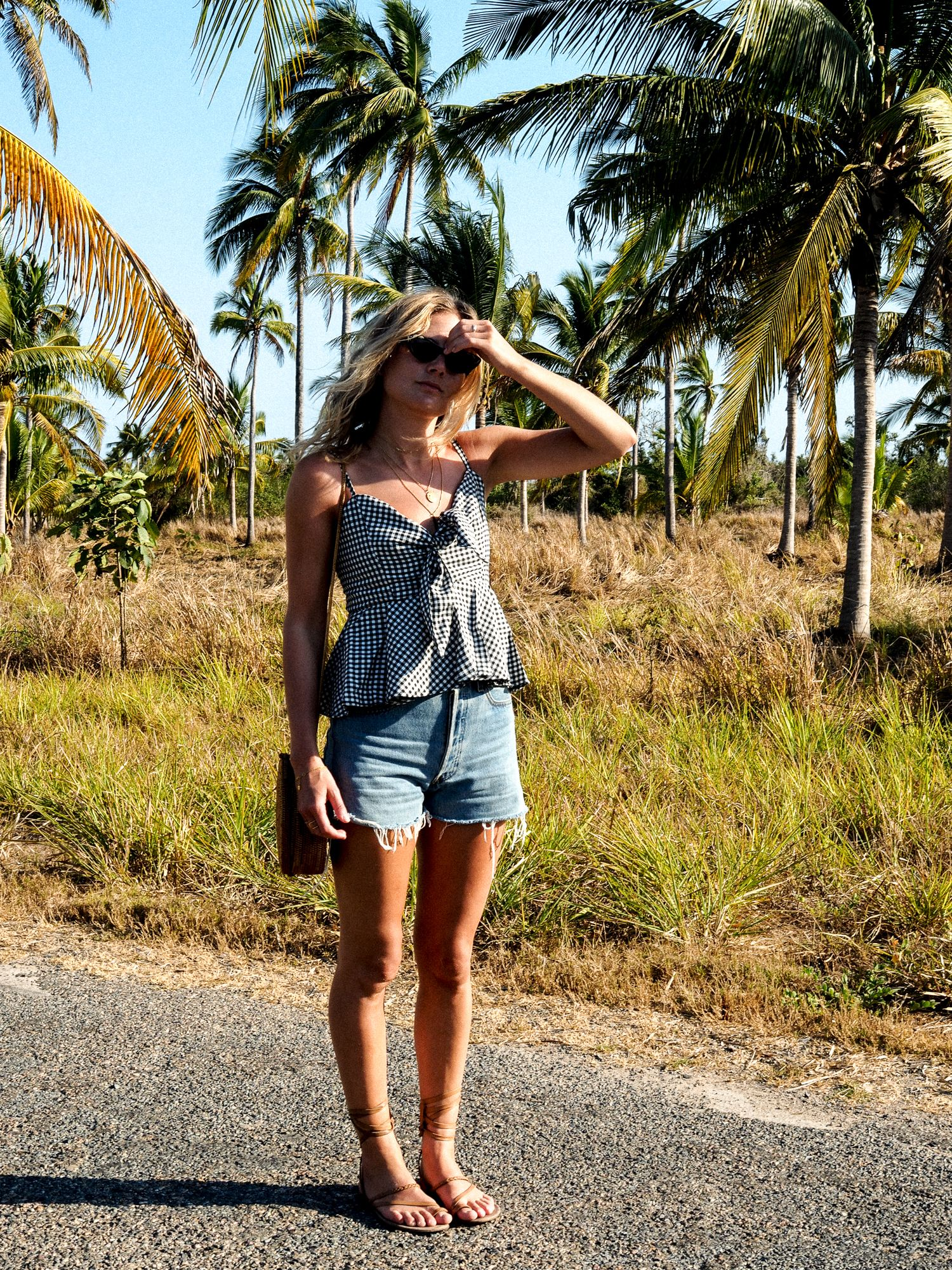 Vacation Outfit: jumper and palm trees | .Highheels