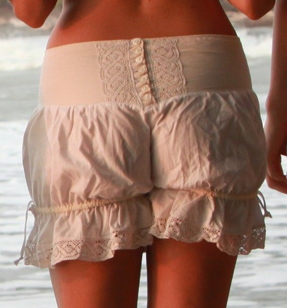 No-chafing options for skirts -- the search for bloomers!