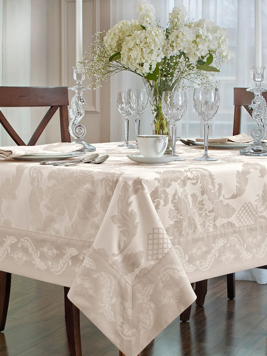 These Thanksgiving Tablecloths Make For An Unforgettable Holiday
