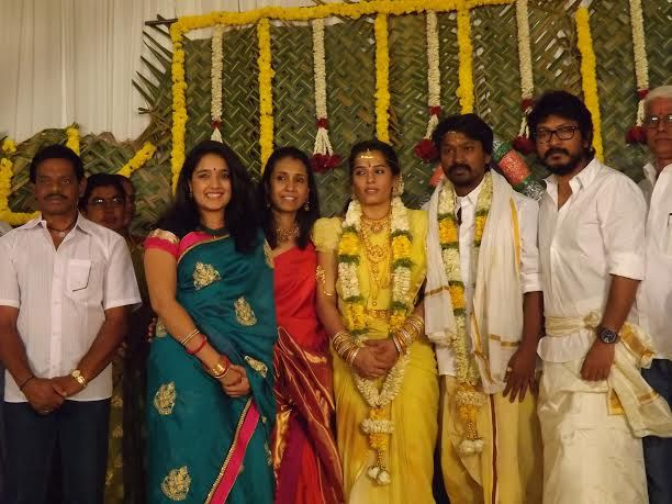 ACTOR KRISHNA – KAIVALYA WEDDING – PHOTO GALLERY http://www.gtamilcinema.com/2014/02/08/krishna-wedding-photos/
