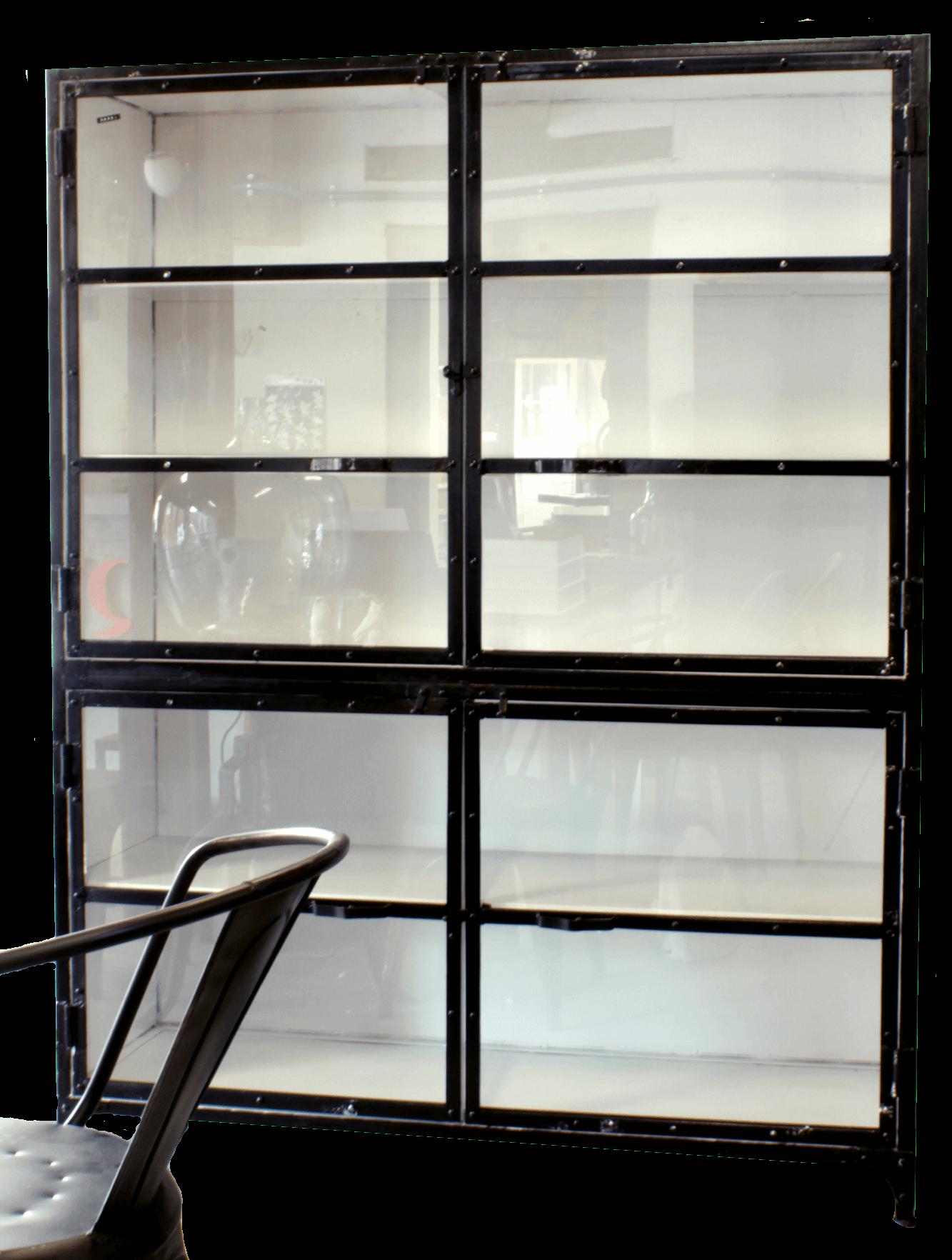 Industriele Kast Met Glas.Grote Industriele Kast Van Ijzer Met Glazen Deurtjes Voor Opslag