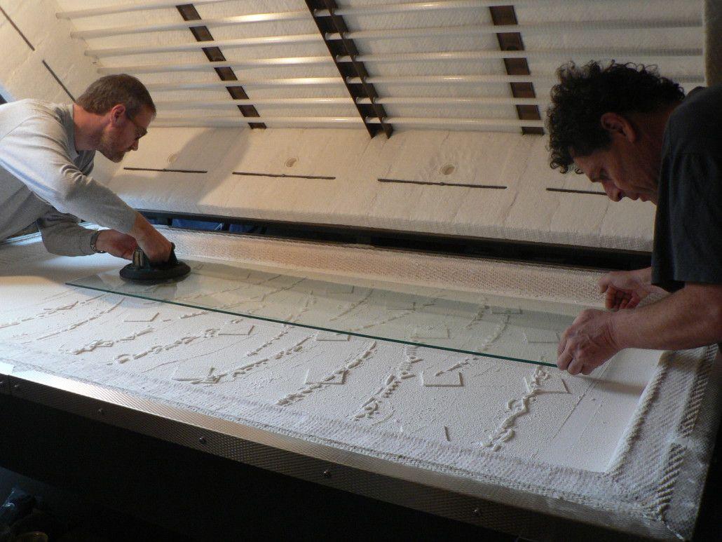 Techniques De Fabrication Des Vitraux Moulage D Un Fusing Atelier Carlo Roccella Vitrail Moulage Dalle De Verre