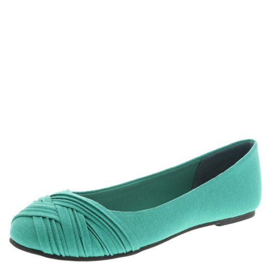 Find casual comfort in the Cayley Flat from American Eagle. It features a soft, fabric upper, pleats on the toe, jersey lining, padded insole, and a flexible outsole. Manmade materials.