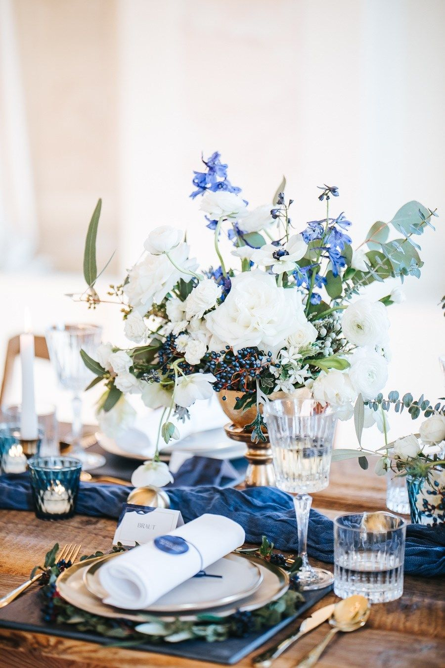 Glamouröse Inspiration in Blau, Weiß und Gold im Bamberg House in München