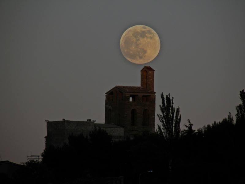 Lluna plena al cel de Catalunya....