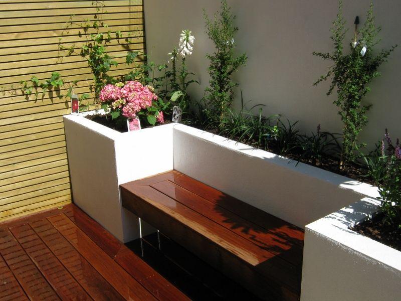 Broxash Road Sw11 Jardin Gurus Creativa Del Paisaje De La Construccion Small Patio Garden Garden Design Plans Modern Garden Design