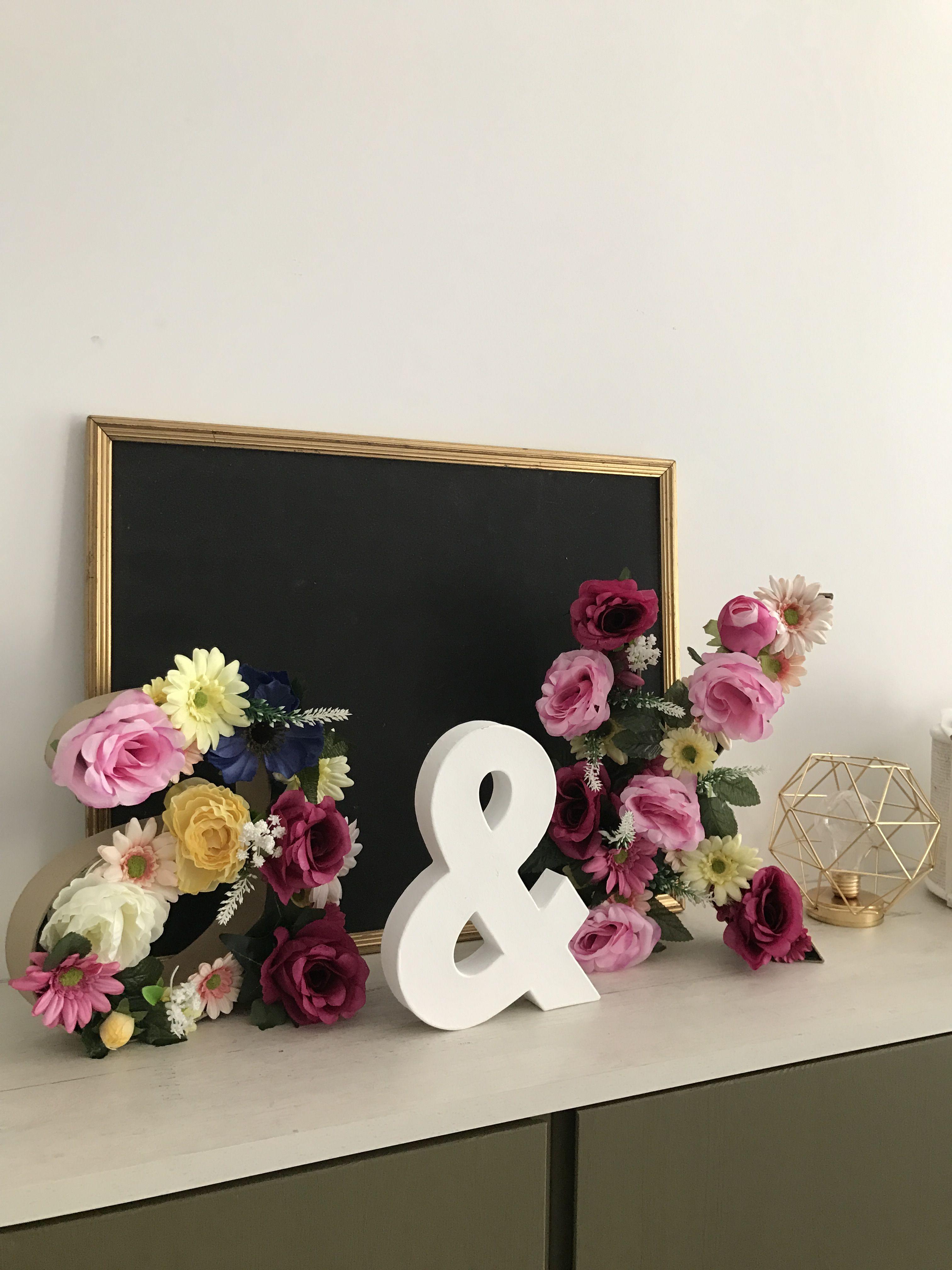 lettre avec fleurs artificielles lettre zodio fleurs action idee