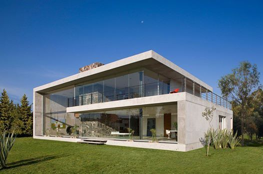 Massive Concrete&Glass Residence in Mexico: GP House