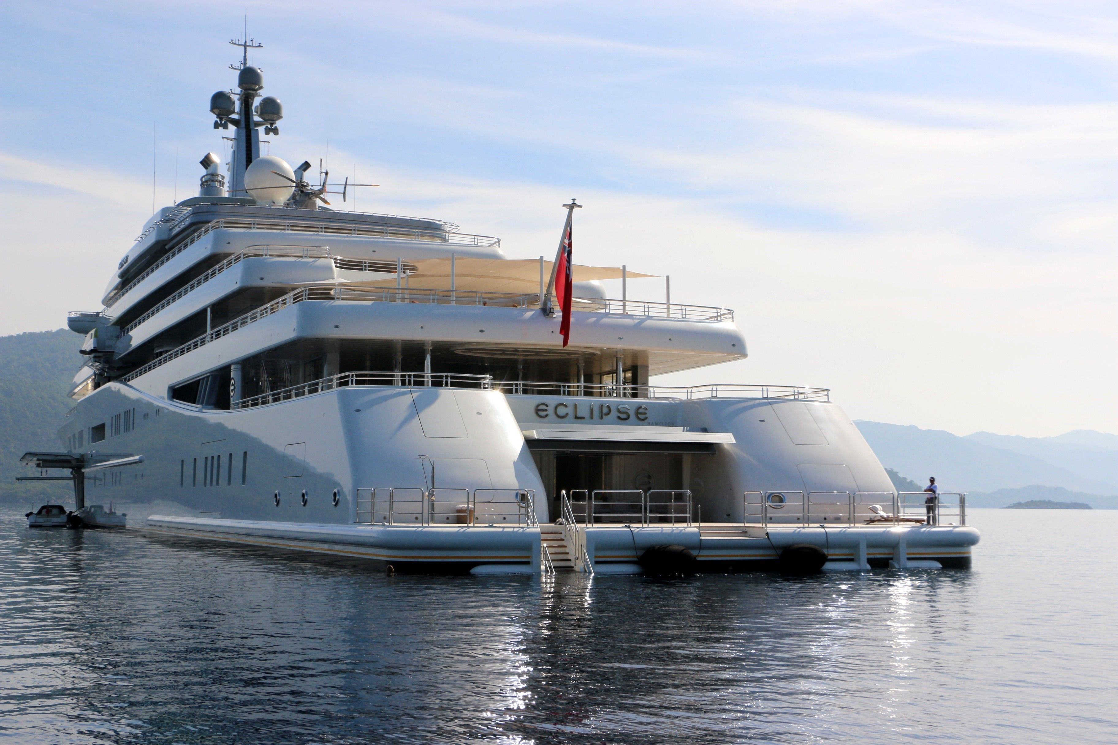 Roman Abramovich S Yacht Eclipse Anchors In Turkey Istanbul