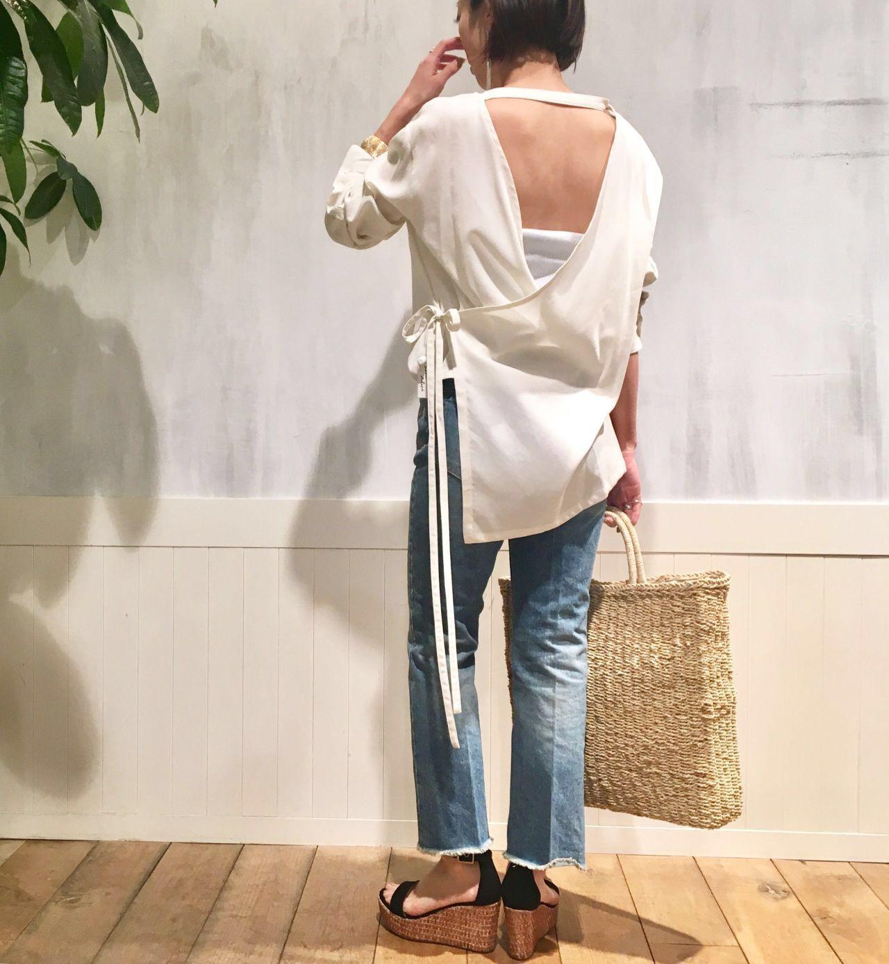 JANE SMITH tops          ¥23,000+tax(JANE SMITH) denim      ¥24,000+tax(JANE SMITH) sandal      ¥24,000+tax(FABIO RUSCONI) bag          ¥10,000+tax