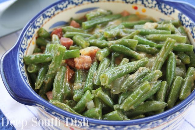 Green Bean Etouffee - Smothered Green Beans from Deep South Dish blog. Green beans with onions, smothered in a light roux gravy. #greenbean