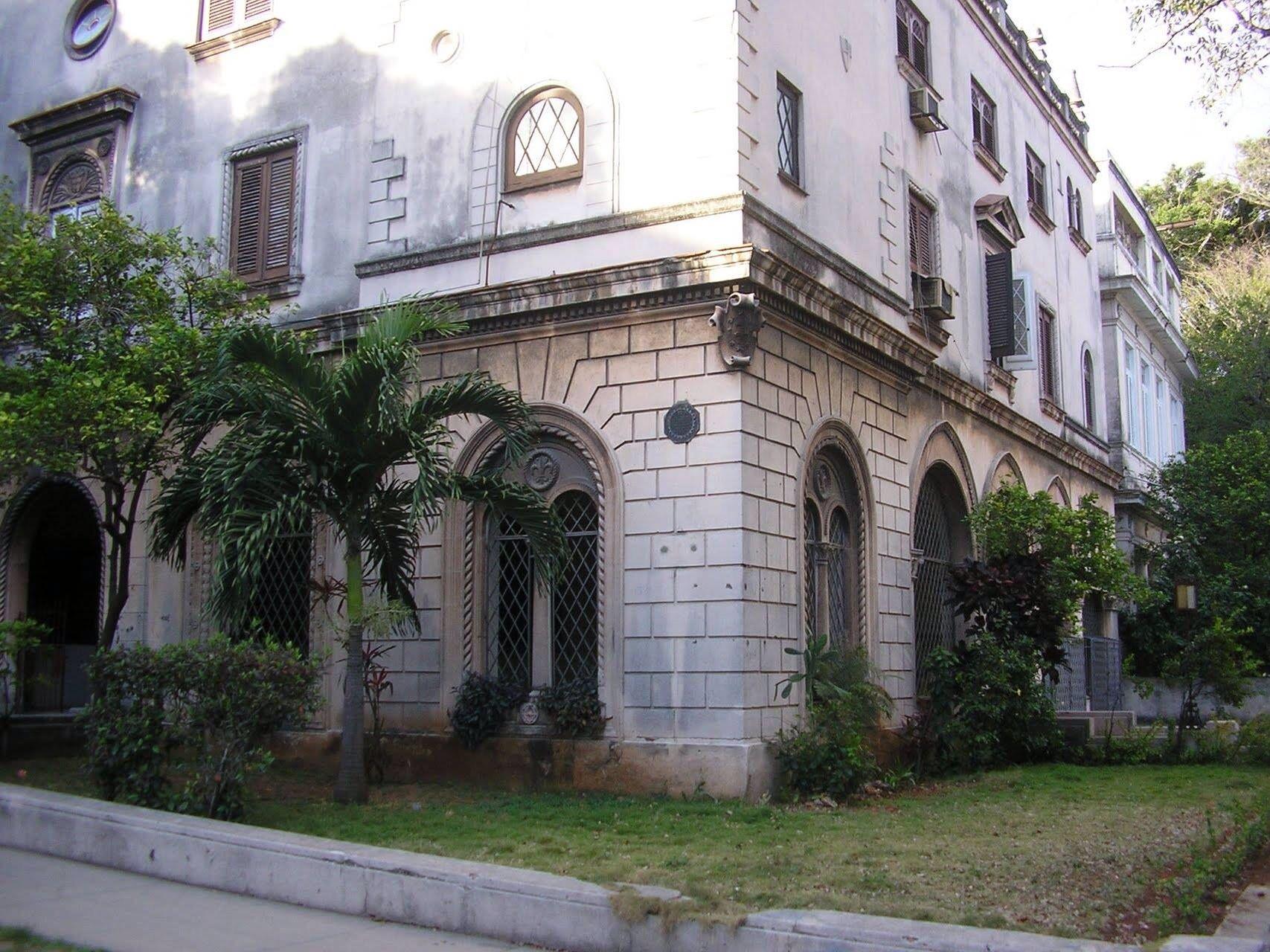 Habana, calle 25 y j