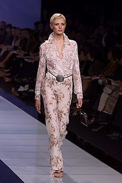 Valentino Spring 2000 Ready-to-Wear Fashion Show - Valentino Garavani, Erin O'Connor