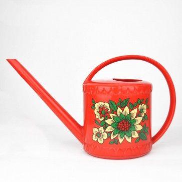 Mooie rode Emsa gieter met retro bloemenpatroon - mag natuurlijk ook een ander soort zijn, maar een beetje oud en emsa geniet de voorkeur