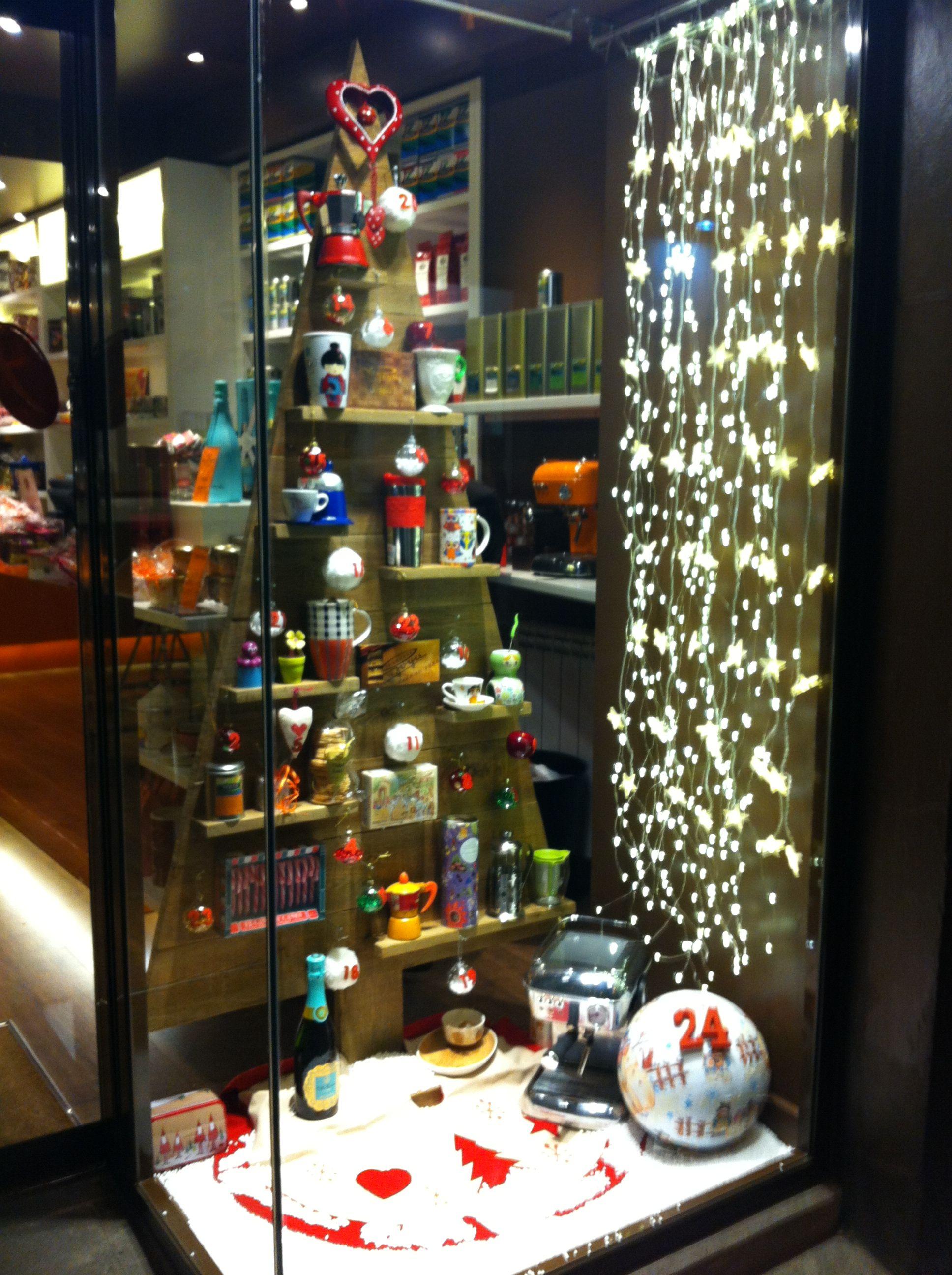 Escaparate de navidad escaparates vintage pinterest - Ideas escaparate navidad ...