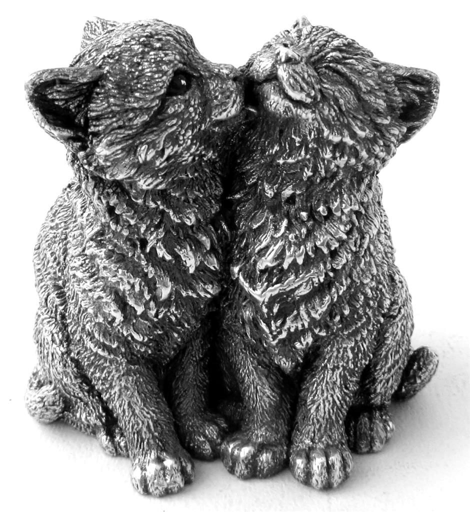 sterling silver figurine of two cats from the Country
