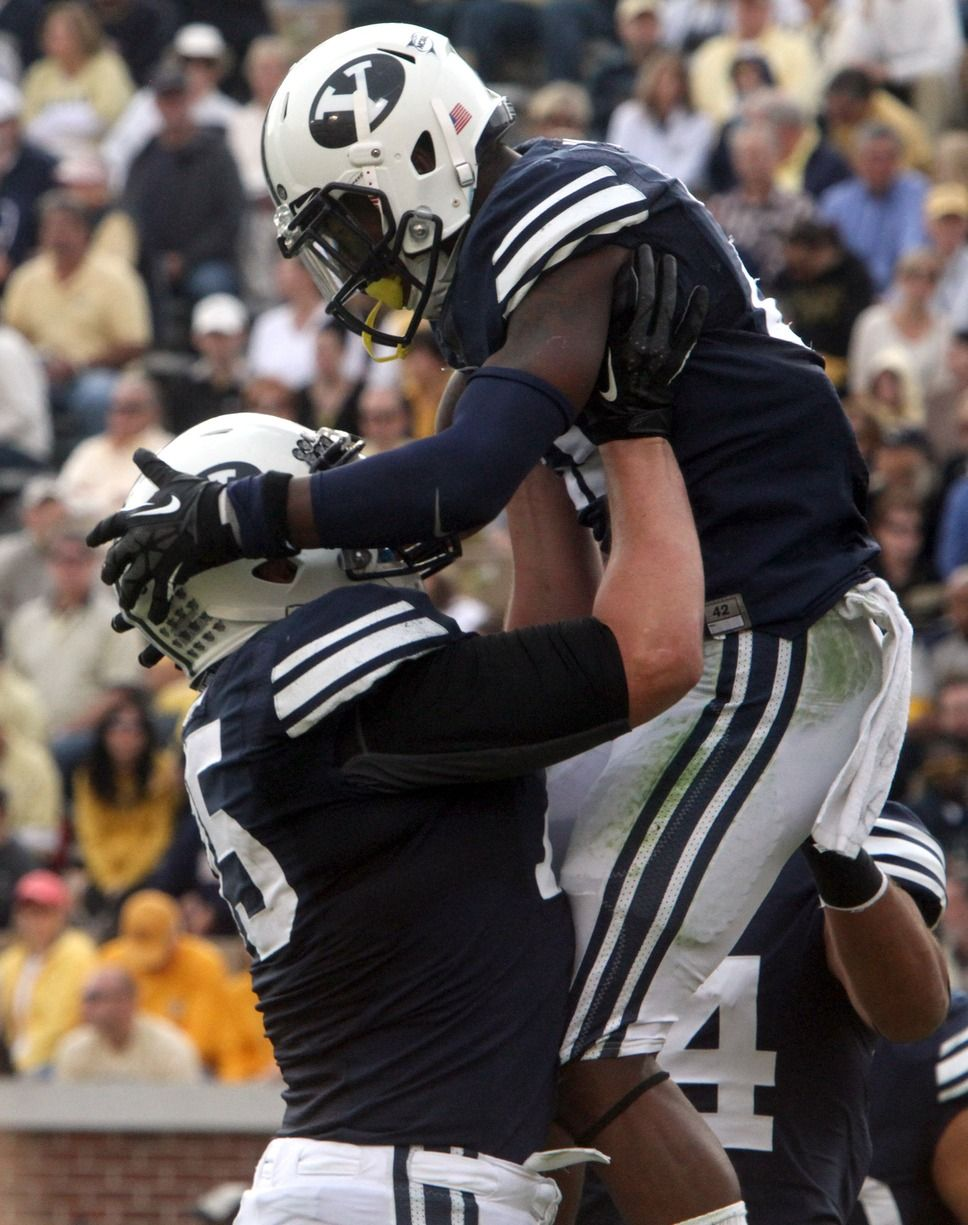 Brigham Young Cougars offensive linesman Braden Brown (75