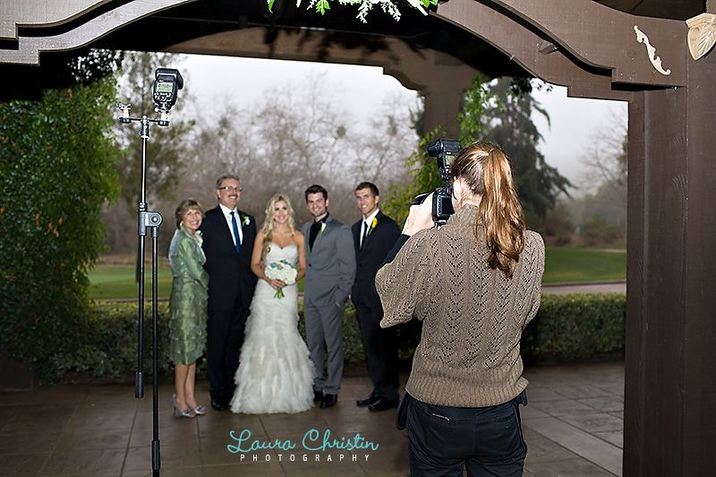 Off Camera Flash Techniques For Dramatic Wedding Photos Photography Lighting Setup Off Camera Flash Light Photography