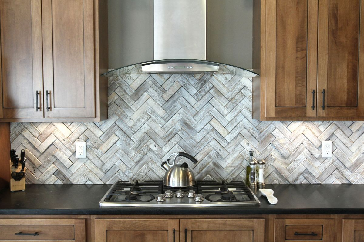 Timeless herringbone pattern in home dcor herringbone pattern timeless herringbone pattern in home dcor dailygadgetfo Choice Image