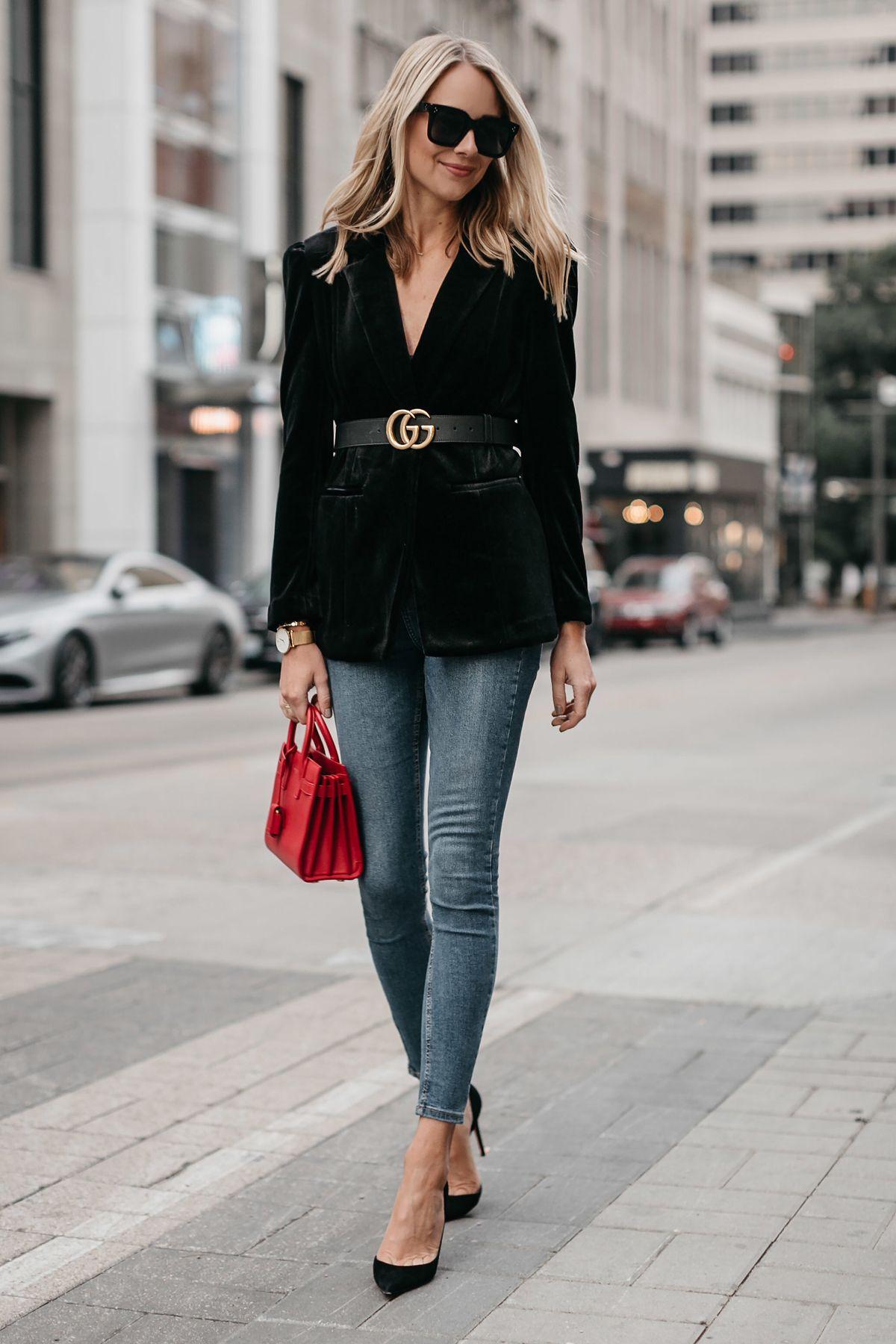 6ccdfc8cecd9f Blonde Woman Wearing Black Velvet Blazer Gucci Marmont Belt Denim Skinny  Jeans Black Pumps Saint Laurent Red Sac De Jour Fashion Jackson Dallas  Blogger ...