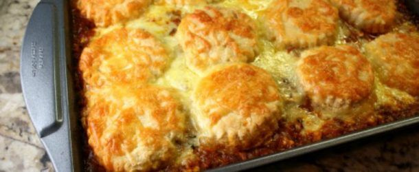 Bring Your Family To The Table With Beef Corn And Biscuit Casserole Beef Casserole Recipes Ground Beef Casserole Recipes Food