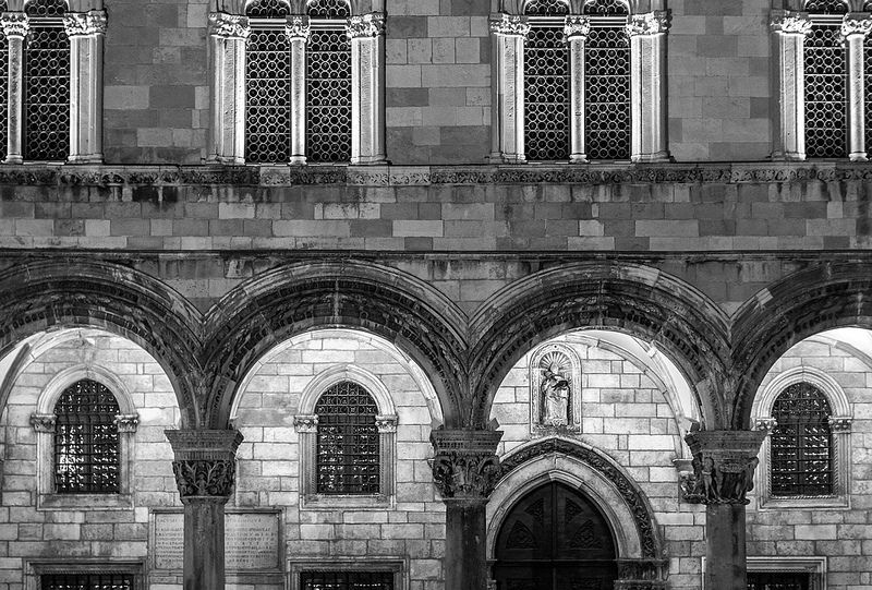 Dubrovnik Architecture - 21 Heinä/July 2014 http://fineartamerica.com/featured/dubrovnik-architecture-matti-ollikainen.html http://www.redbubble.com/people/mattiollikainen/works/12314368-dubrovnik-architecture https://www.flickr.com/photos/mazahito/14701305934 http://500px.com/photo/77228103/dubrovnik-architecture-by-matti-ollikainen http://society6.com/mazahito/dubrovnik-architecture-dms_print#1=45