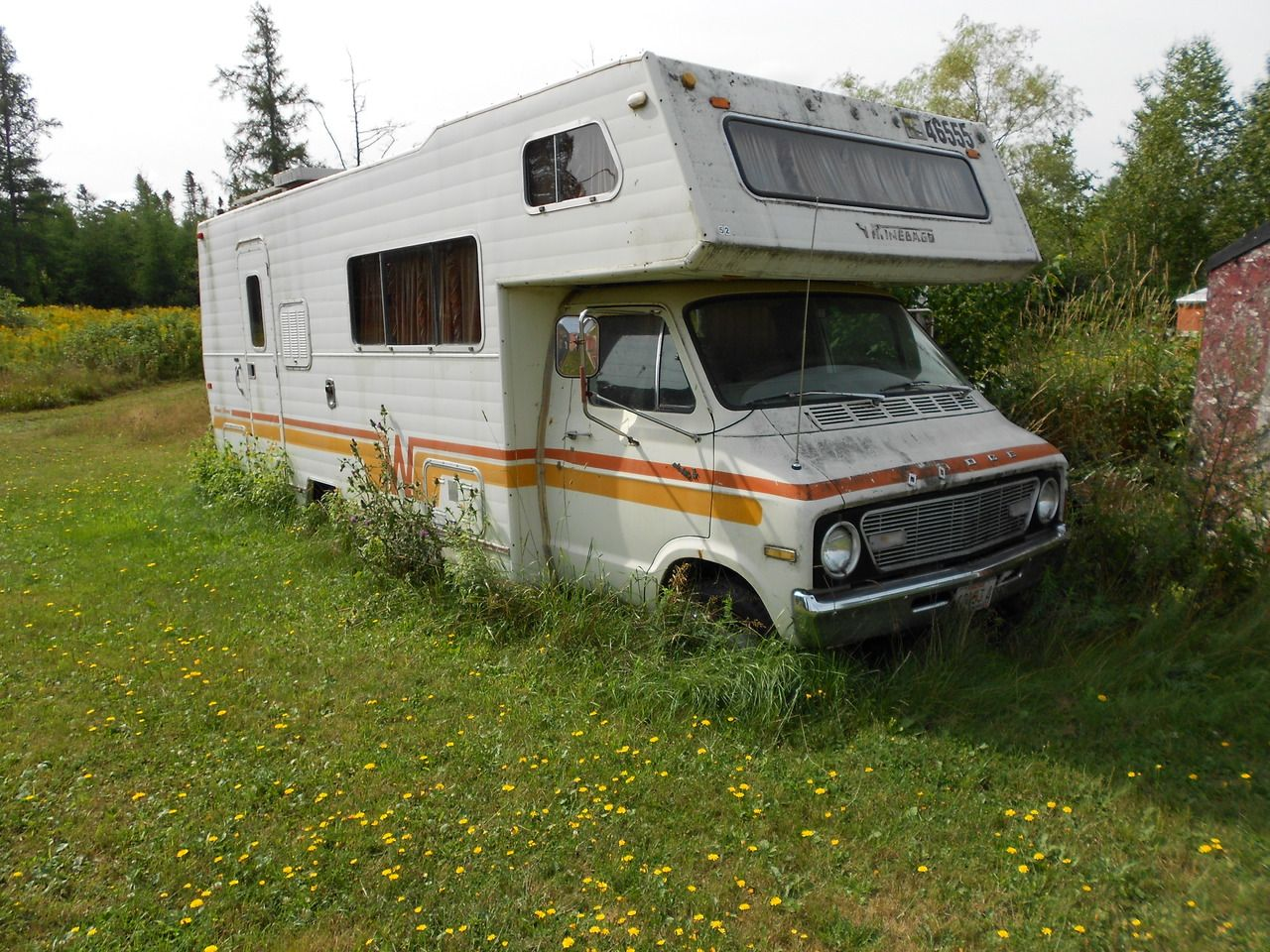 Dodge 440 Camper -- Anybody need a 440? HAHA. Out to pasture ...