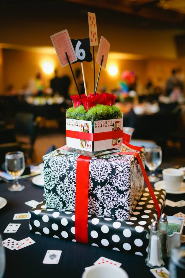 Queen of hearts centerpiece wwwtablescapesbydesigncom httpswwwfacebookcompagesTablescapes By Design129811416695