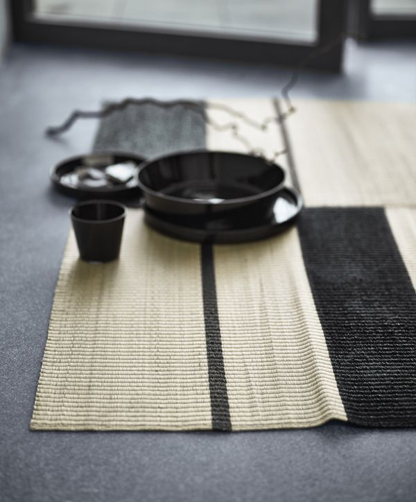 The black stripes on the reversible ikea viktigt handwoven for Ikea grass rug