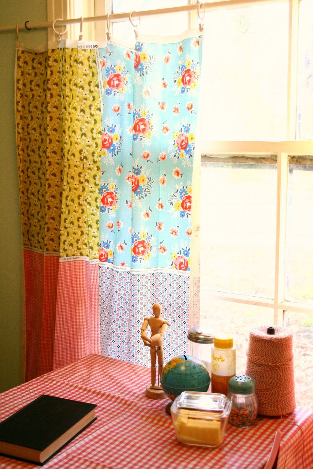 cottage kitchen curtains from fat quarters oil cloth tablecloth casa d 39 lovely ridge road. Black Bedroom Furniture Sets. Home Design Ideas