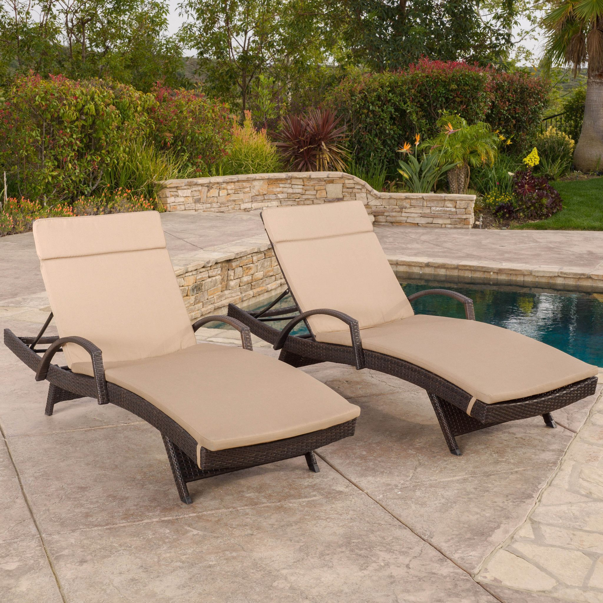 Lakeport Outdoor Wicker Armed Chaise Lounge Chairs