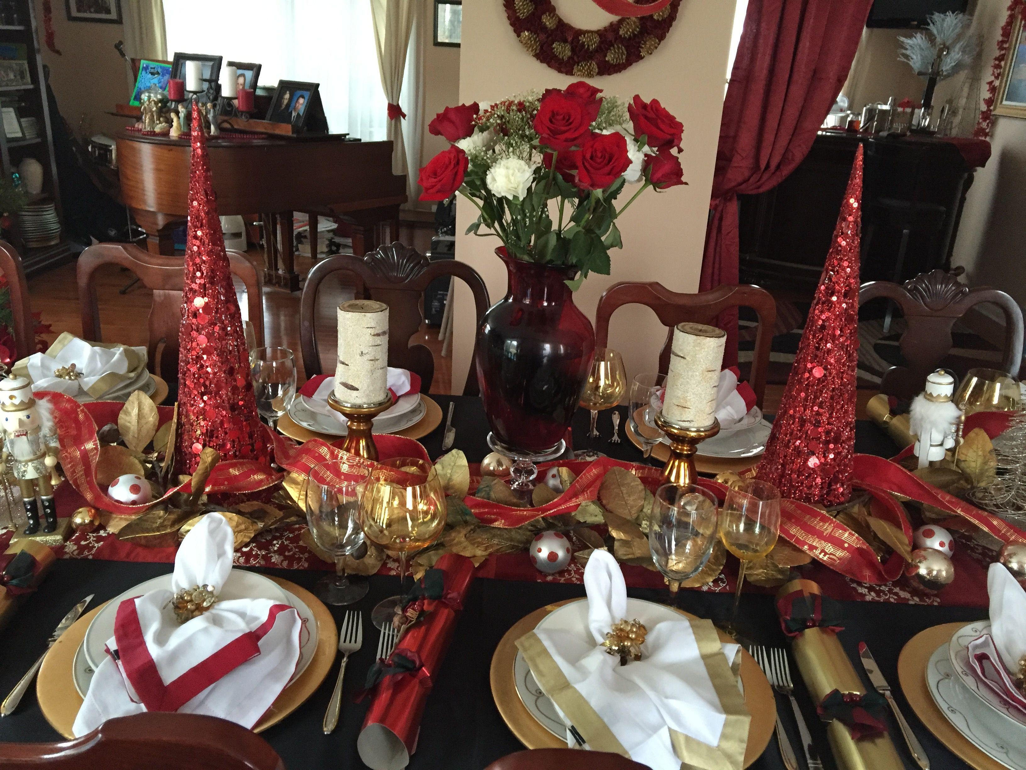 Christmas Table Red Gold On Black Navidad
