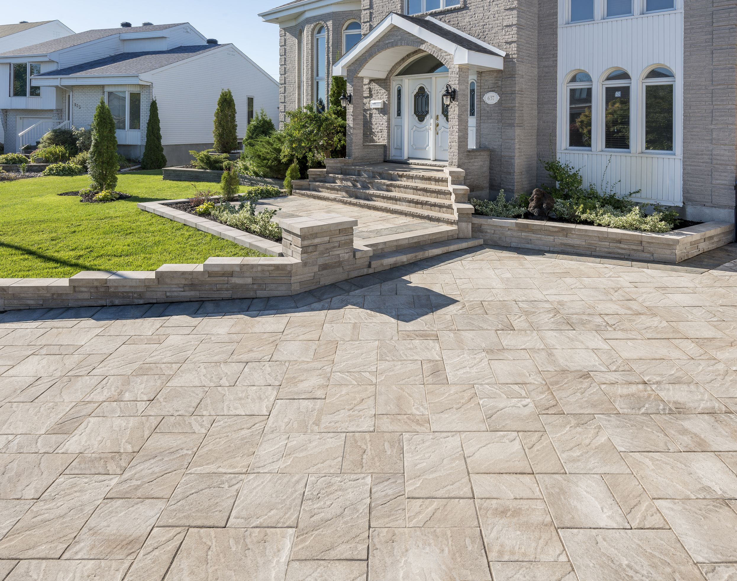 Capri Rinox Landscape Pavers In Ground Pools Home Landscaping
