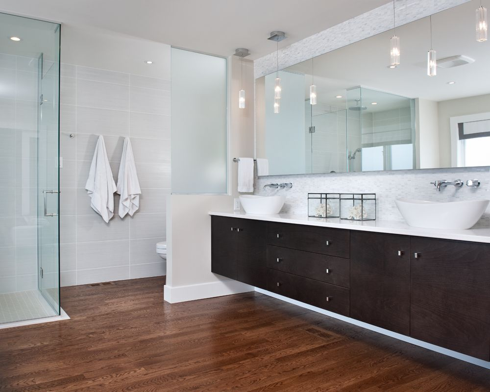 Modern Clean Master Ensuite With Curbless Shower Floating Vanity - Glass partition wall bathroom