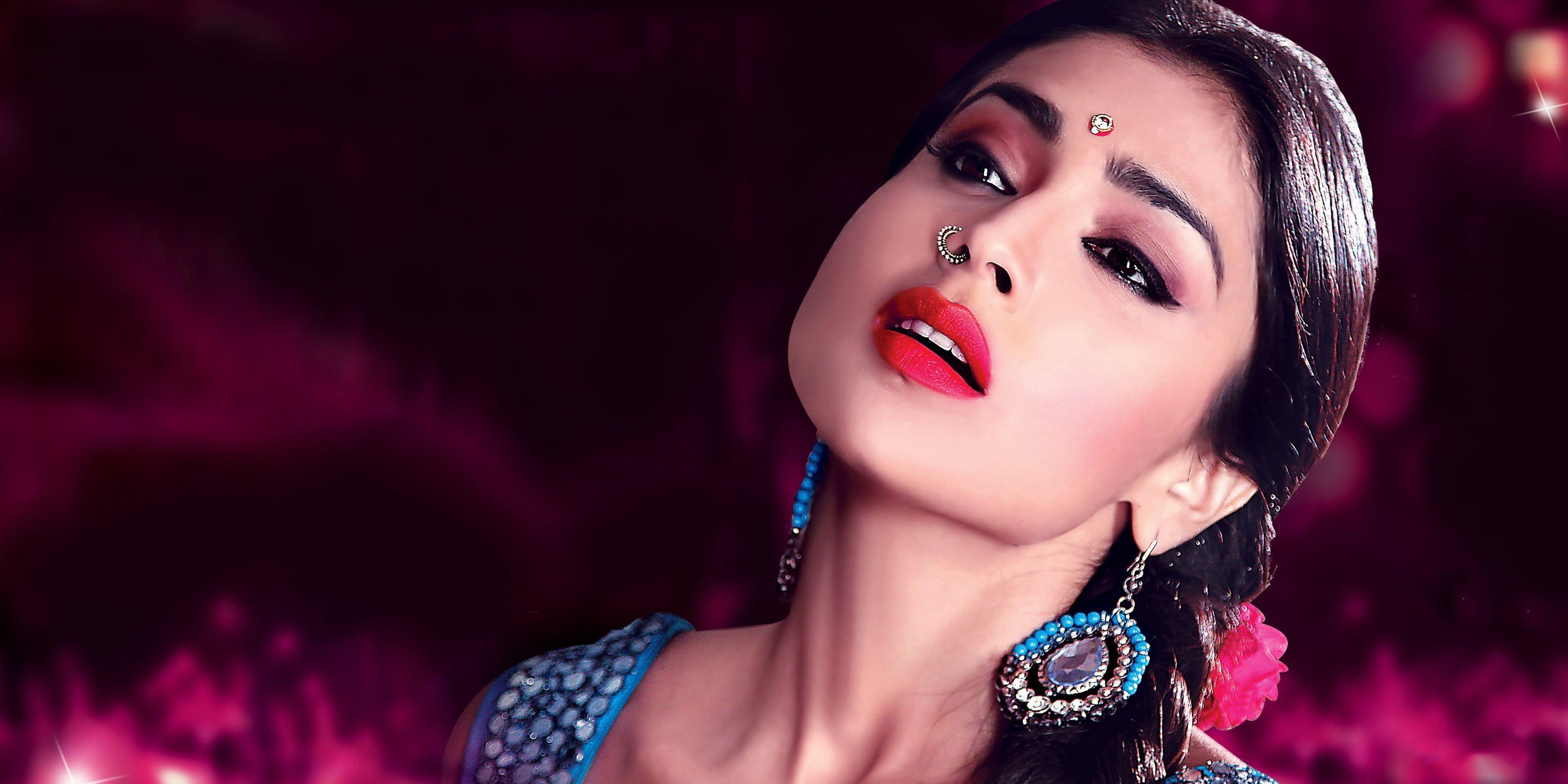 3840x1920 Shriya Saran 4k Desktop Background Hd Wallpaper Actresses Bollywood Indian Actresses